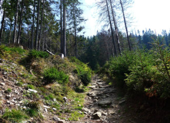 Steep ascent on Romanka slopes