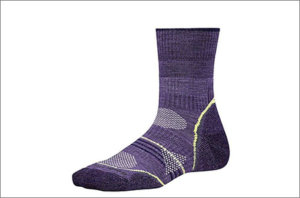 gifts-for-hikers-socks-w